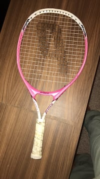 pink and white tennis racket Alexandria, 22309