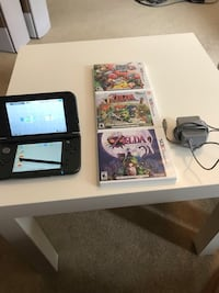 Nintendo 3DS with Three Games