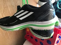 Adidas shoes size 6.5 Centreville, 20121