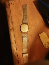 Gold watch  20 0b0 Tulare, 93274