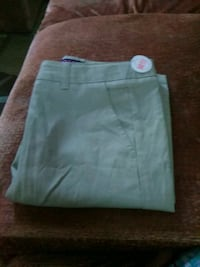 white and green Nike shorts Lancaster, 17602
