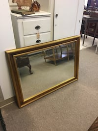 Gold trim wall mirror, great condition, beveled glass edges Englishtown, 07726