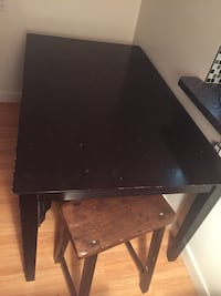6 person table very sturdy bought for 400$ 2 years ago no deliveries sorry -nw Dalhousie pick up Calgary, T3A 2E6