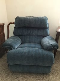 Nice reclining chair. Good condition! San Marcos, 92078
