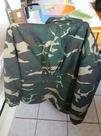 XL reversible hunting jacket Montréal, H3N 2T2