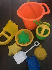 Sand Pail  with accessories
