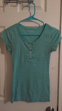 old navy short sleeve  Great Falls, 59405