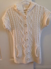 Knit short sleeved sweaters