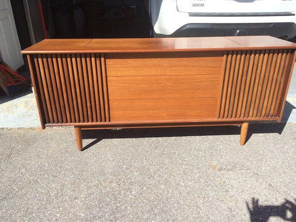 Fleetwood Antique Stereo Cabinet