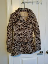 Leopard print light coat