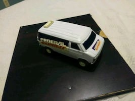 Vintage fedex toy also a coin bank