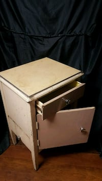 Shabby Chic side table (Antique)