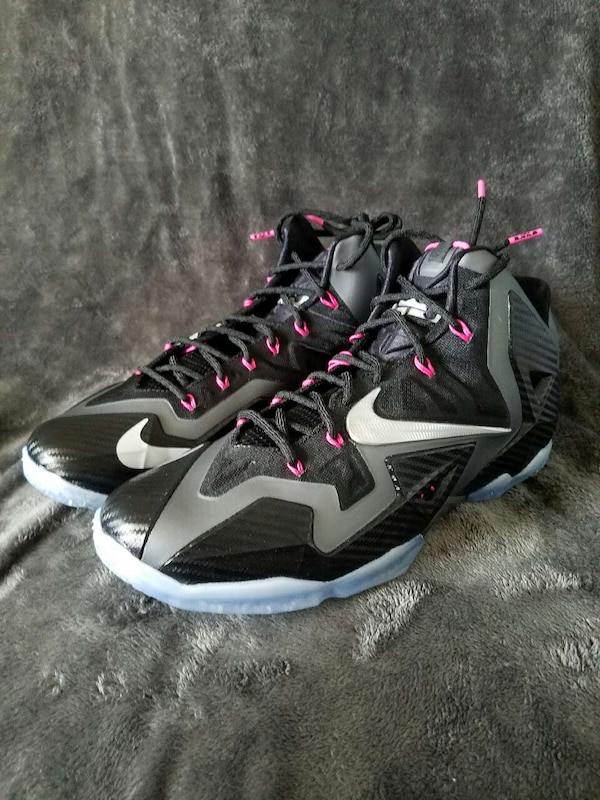 official photos b8ee2 bfb6f Nike LeBron 11