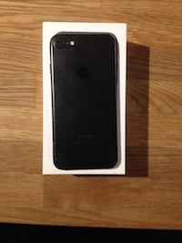 Black iphone 7 with box Surrey, V4N