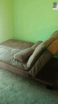 Couch/twin bed Fallbrook, 92028