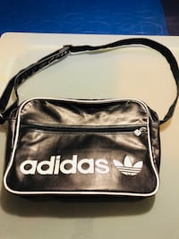 Adidas 2-side leather bag in good condition  Montréal, H2Z