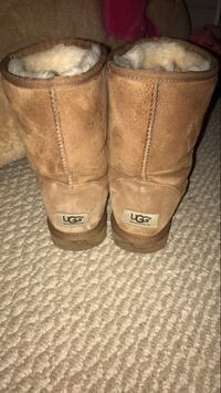 Uggs size 7 Buford, 30519