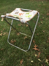 Folding chair, garden bag. Like new Morrisville, 19067