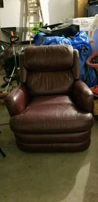Real Leather Burgandy Recliner Columbus, 43231