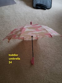 good condition toddler pink camo umbrella