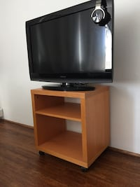 TV stand with wheels Vancouver, V5T 2K3