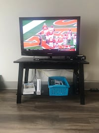 "32"" Tv Samsung with tv stand Dallas, 75251"
