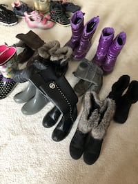 Winter boots sizes from 12-4 for girls Bradford West Gwillimbury, L3Z 0X6