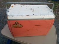 white and red wooden chest box Ottawa, K1Y