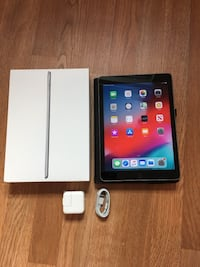 iPad 5 (2017), 128GB, WiFi - Bundles with Case, Charger, and Box  Falls Church, 22042
