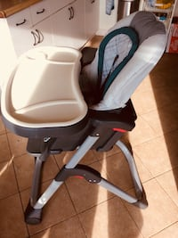 Baby's white and black high chair 17 km