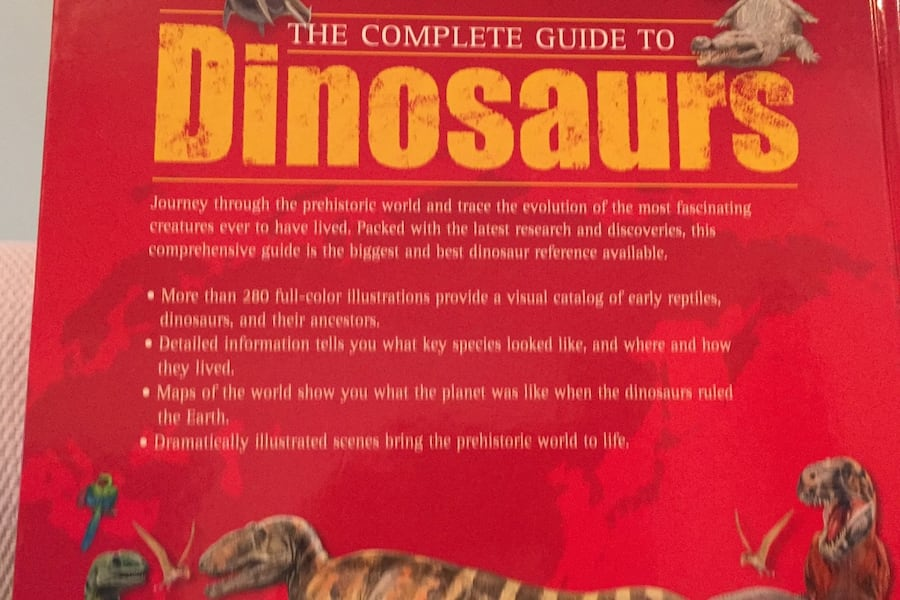 The complete guide to dinosaurs and prehistoric reptiles. Chris McNabb d78b4dca-d3a2-4528-bcb8-4e9b2790834b