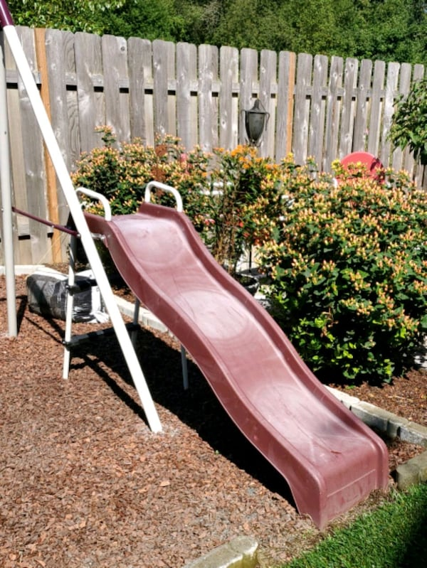 Slide only from swing set f21c4162-fac3-40c2-ac72-cc2557797112