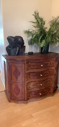 Solid wood  console Coquitlam, V3K 5V8