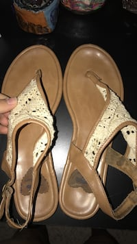 brown and white leather open toe ankle strap flat sandals Virginia Beach, 23456