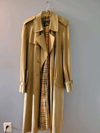 Authentic Burberry Trenchcoat 42L West Springfield, 22152