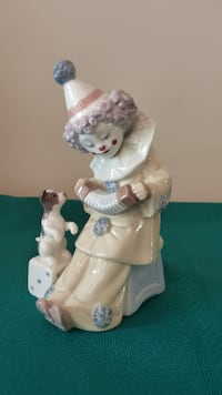 LLADRO # 5279 CLOWN Pierrot with concertina