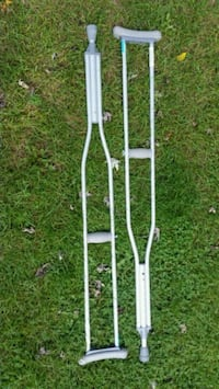 two gray metal underarm crutches McHenry, 60051
