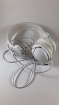 White over the ear headphones with long cord Vienna, 22180