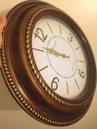 Round white and brown analog wall clock Knoxville, 37923