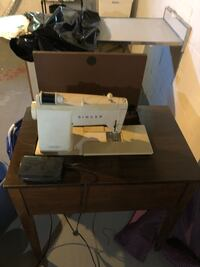 Classic Singer stylistic 834 sewing machine Wilmington, 19805