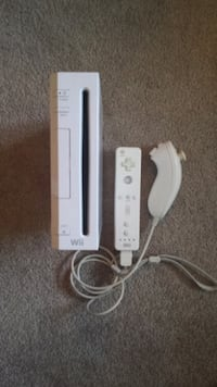Wii + 3 remotes + 2 games + wii fit Coquitlam, V3E