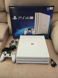Brand new PS4 pro 1Tb full HD