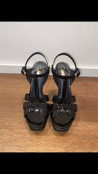 Yves Saint Laurent Black Heel Hampstead, H3X 3E3