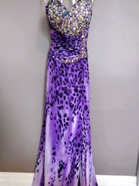 Stunning purple with beads party gown size 10 Toronto, M5V 1P2