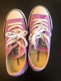 Converse Girls Fushcia Glow Size 13 Shoes New with Box