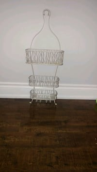 Shower caddy.. Great condition.pick up only.. Mississauga, L5B 3Y9