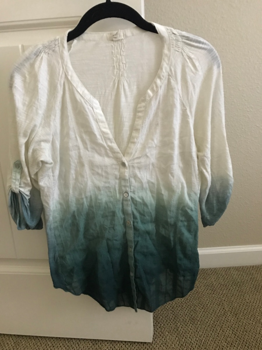 white and gray ombre button-up long-sleeved shirt