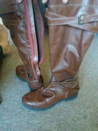 pair of brown leather boots Belgrade, 59714