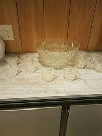 Crystal punch bowl with cups Pensacola, 32534