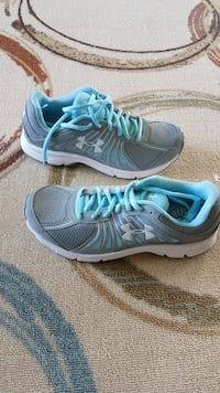 Women Under armour shoes 81/2 new Pittsburgh